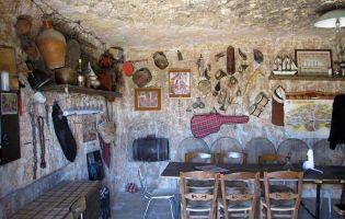 Bodegas subterráneas excavadas en la roca - San Esteban de Gormaz