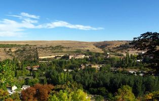 Monumentos de Segovia a orillas del río Eresma