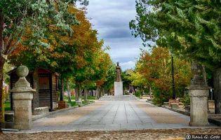 Monumento Isabel la Católico - Madrigal de las Altas Torres