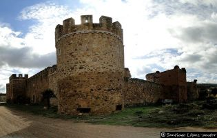 Castillo de Alija del Infantado.