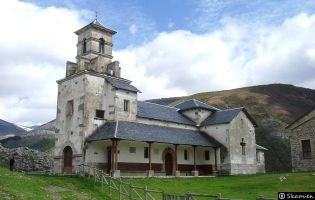 Iglesia de Lugueros.