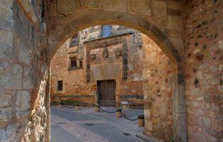 Arco y Palacio de los Contreras  - Qué ver en Ayllón y Alrededores