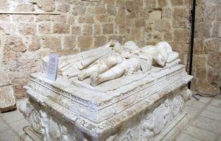 Qué ver en Ayllón y Alrededores - Sepultura Iglesia de San Miguel - Segovia