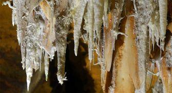 Cuevas Arenas de San Pedro